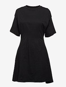 Conjured dress - BLACK