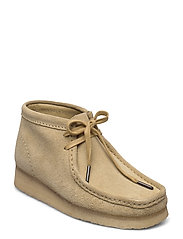 Wallabee Boot. - MAPLE SUEDE