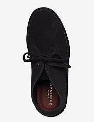Clarks Originals - Desert Boot - flate ankelstøvletter - black sde - 3