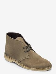Clarks Originals - Desert Boot - desert boots - light olive sde - 0
