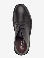 Clarks Originals - Desert Boot. - platta ankelboots - black polished - 3