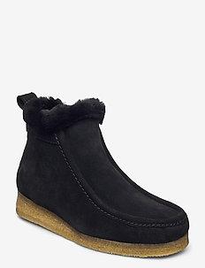Wallabee Frost - flade ankelstøvler - black sde