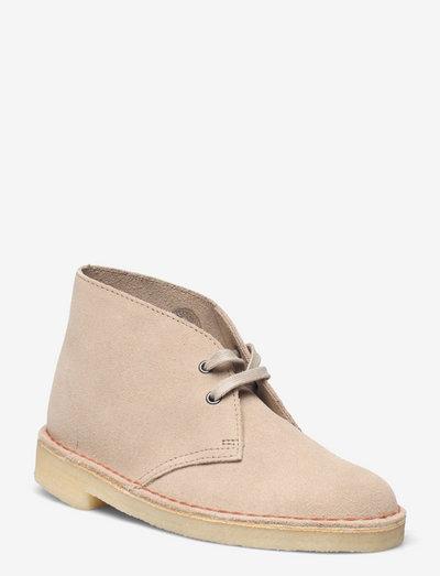 Desert Boot. - platta ankelboots - sand suede
