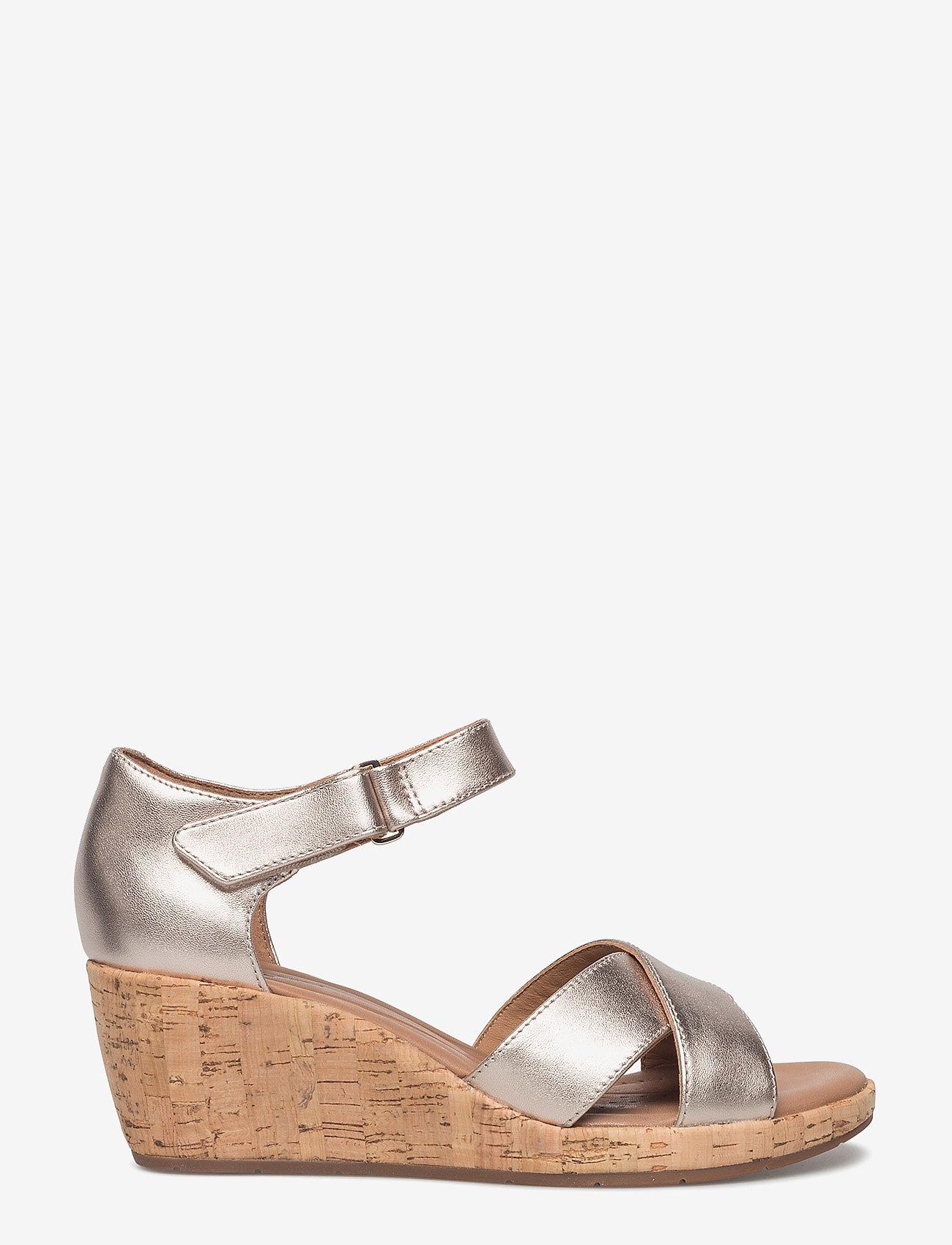 Clarks - Un Plaza Cross - sandales à talons - gold metallic - 1