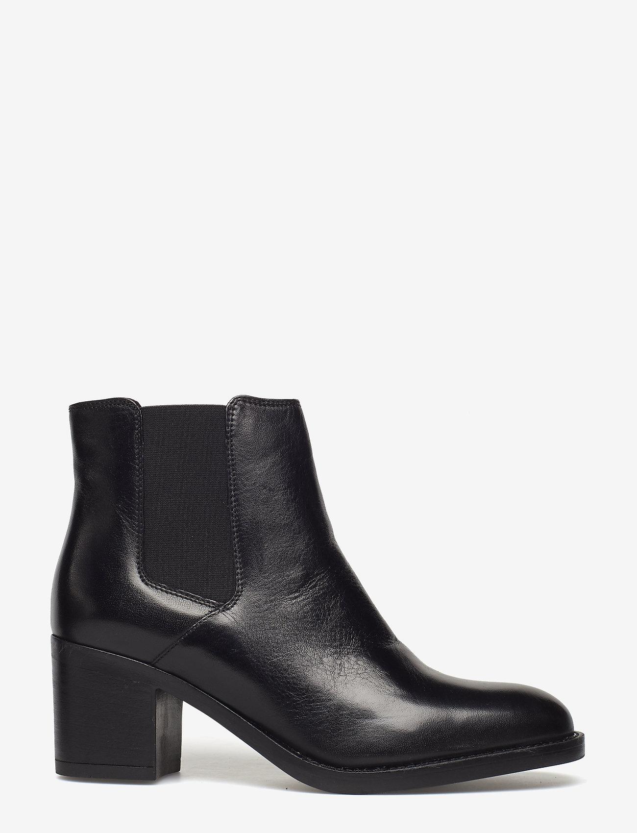 Clarks - Mascarpone Bay - black leather - 1