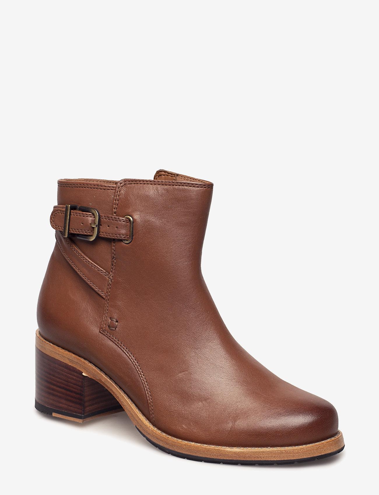 Clarks - Clarkdale Jax - ankelstøvler med hæl - dark tan lea - 0
