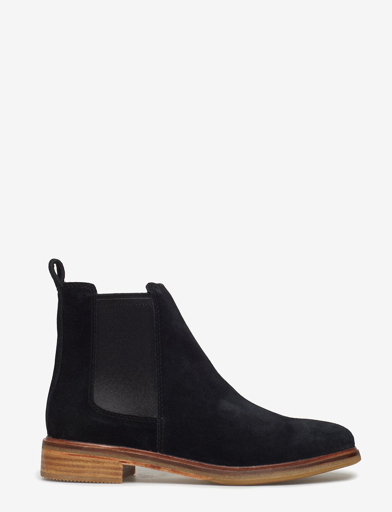 Clarks - Clarkdale Arlo - chelsea boots - black sde - 1
