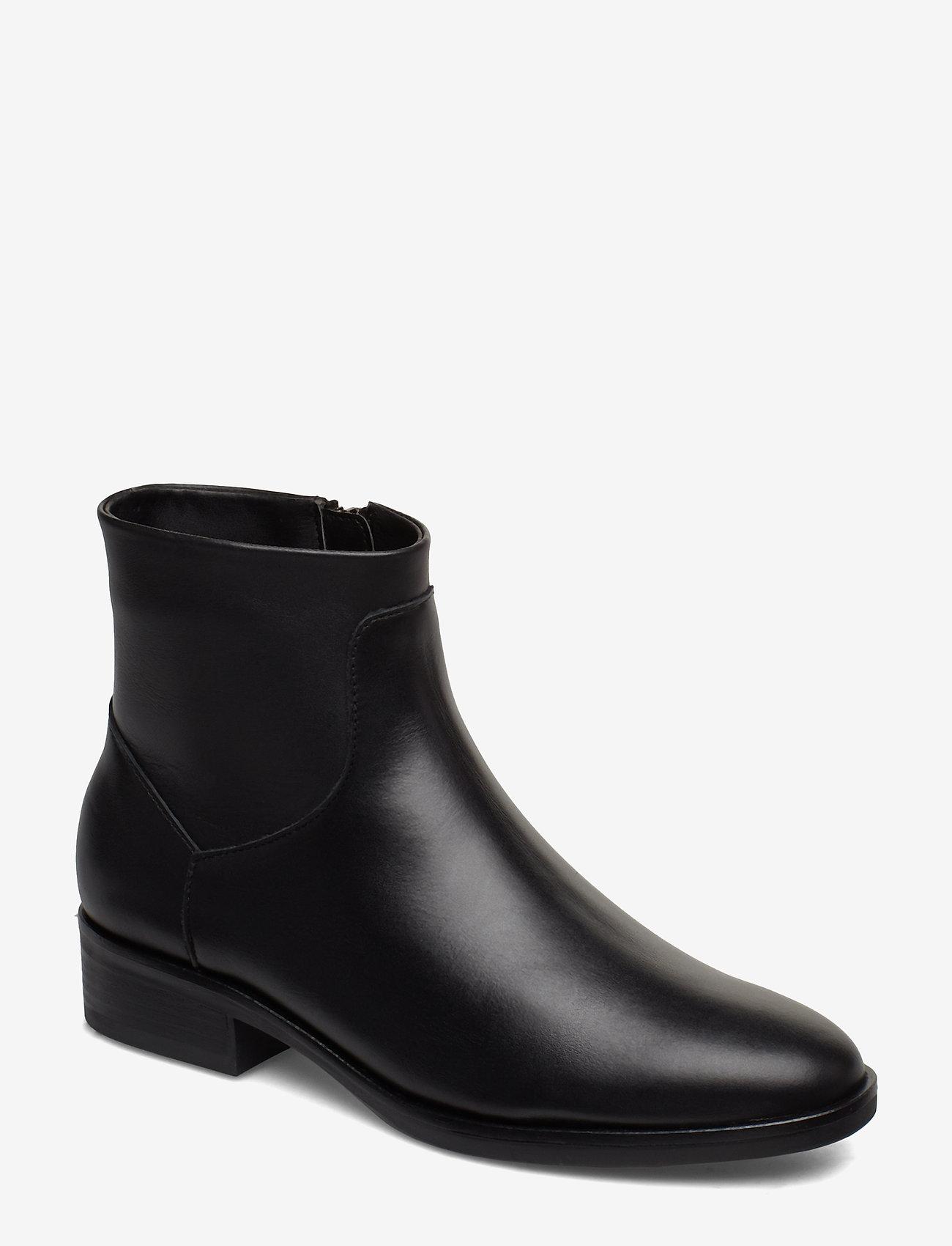 Clarks - Pure Rosa - flade ankelstøvler - black leather - 0