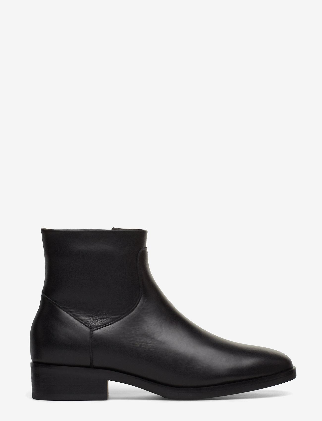 Clarks - Pure Rosa - flade ankelstøvler - black leather - 1