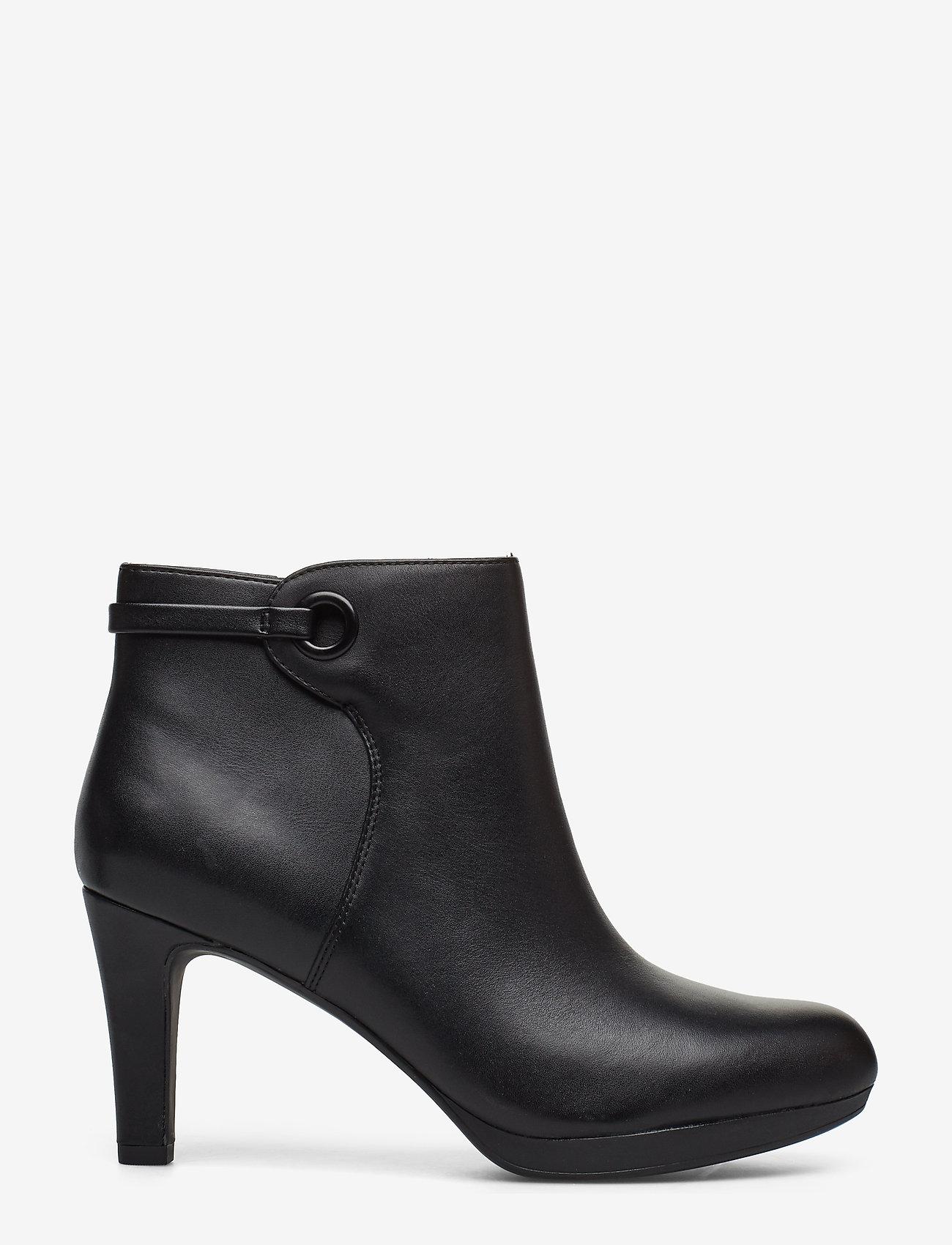 Clarks - Adriel Mae - ankelstøvler med hæl - black leather - 1