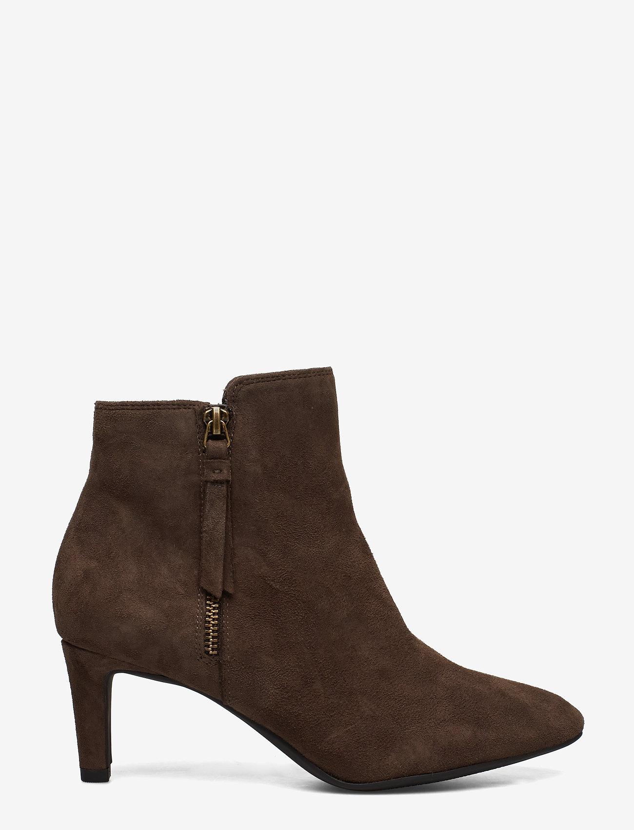 Clarks - Calla Blossom - ankelstøvler med hæl - dark brown suede - 1