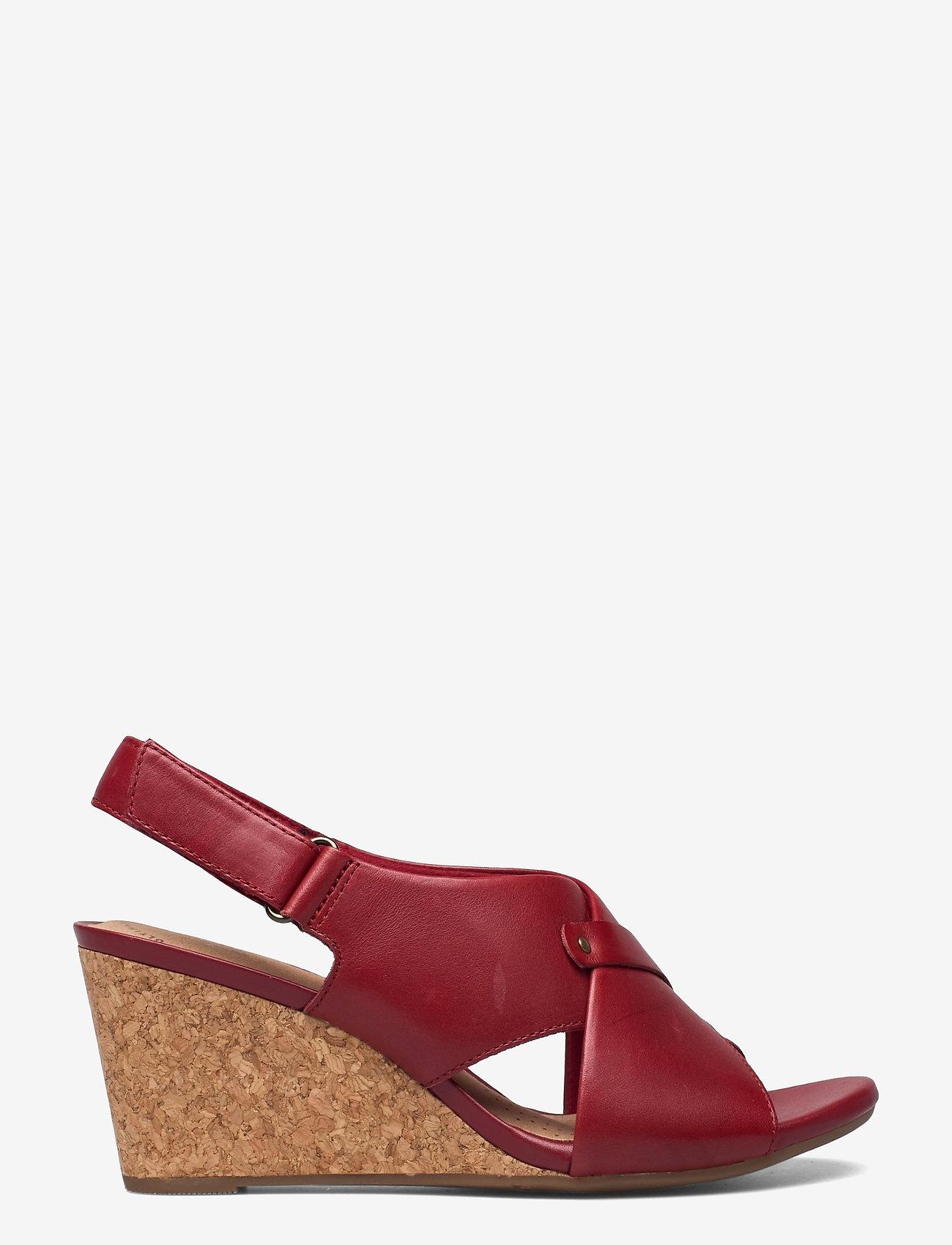 Clarks - Margee Eve - kilklackar - red leather - 1
