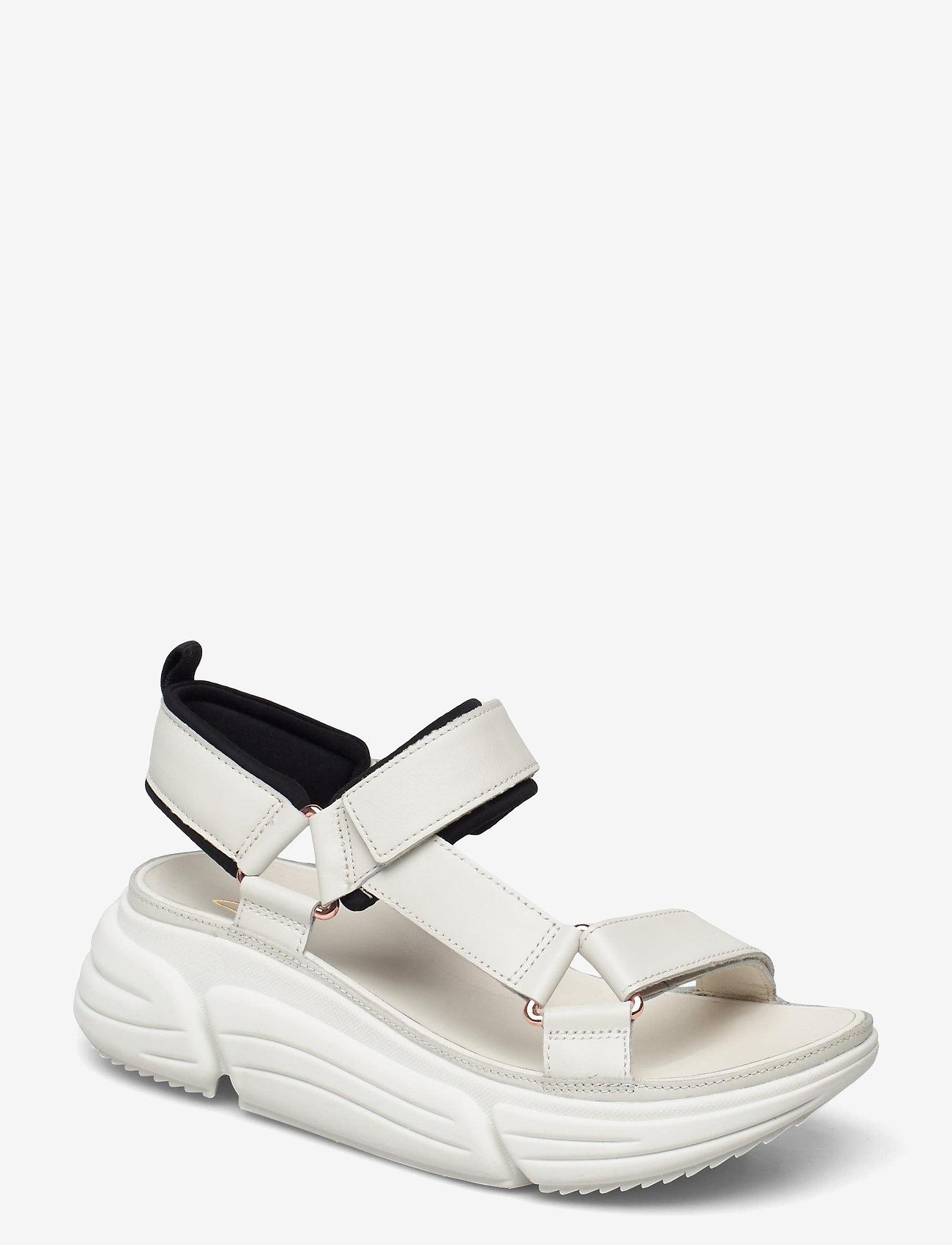 Clarks - TriComet Go - platta sandaler - white leather - 0