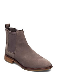 Clarkdale Arlo - TAUPE SUEDE