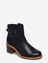 Clarks - Clarkdale Jax - ankelstøvler med hæl - black leather - 0
