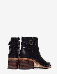 Clarks - Clarkdale Jax - ankelstøvler med hæl - black leather - 4