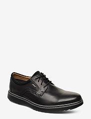 Clarks - Un Geo LaceGTX - buty ze skóry lakierowanej - black leather - 0