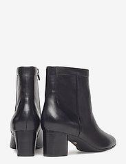 Clarks - Un Cosmo Up - ankelstøvletter med hæl - black leather - 4