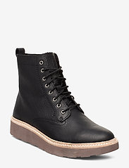 Clarks - Trace Pine - platta ankelboots - black leather - 0