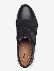 Clarks - Un Rio Strap - slip-on sneakers - black leather - 3