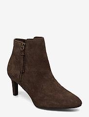 Clarks - Calla Blossom - ankelstøvler med hæl - dark brown suede - 0