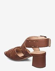 Clarks - Sheer55 Buckle - högklackade sandaler - tan leather - 2