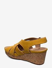Clarks - Un Capri Step - compensées - yellow nubuck - 2