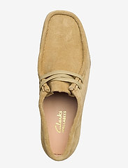 Clarks - Wallabee 2 - loafers - maple suede - 3