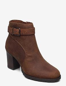Verona Lark - ankelstøvler med hæl - dark tan lea
