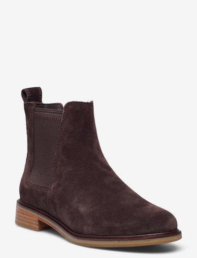 Clarkdale Arlo - chelsea boots - dark brown suede