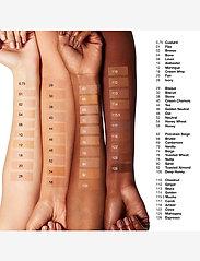 Clinique - Even Better Makeup SPF 15, Ivory 28 CN - meikkivoide - ivory - 1