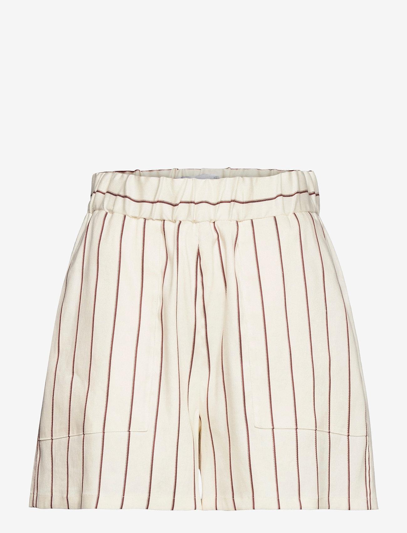 Closed - womens shorts - shorts casual - red sun - 0