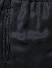 Closed - womens pant - bukser med brede ben - thunder sky - 2