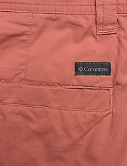 Columbia - Washed Out™ Short - casual shorts - dark coral - 4
