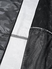 Columbia - Flash Forward™ Windbreaker Print - black spotted camo - 10