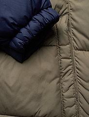Columbia - Pike Lake Hooded Jacket - kurtki pluszowe - stone green, collegiate navy - 10