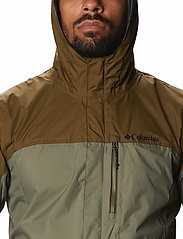 Columbia - Pouring Adventure™ II Jacket - kurtki sportowe - stone green, new olive - 7