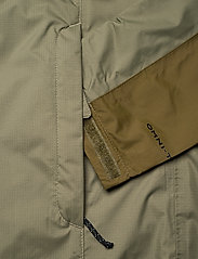 Columbia - Pouring Adventure™ II Jacket - kurtki sportowe - stone green, new olive - 10