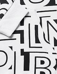 Columbia - M Columbia Logo™ Printed Hoodie - bluzy z kapturem - black, white ty - 3