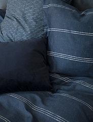 compliments - Raw Lane 140x220 cm - sengesæt - blue - 2