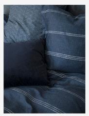 compliments - Raw Lane 140x220 cm - sengesæt - blue - 1