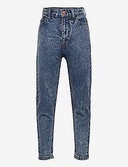 Costbart - MEVI MOM JEANS - jeans - light blue denim wash - 0