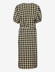 Costbart - NALA SS WRAP DRESS - kleider - pale banana - 1