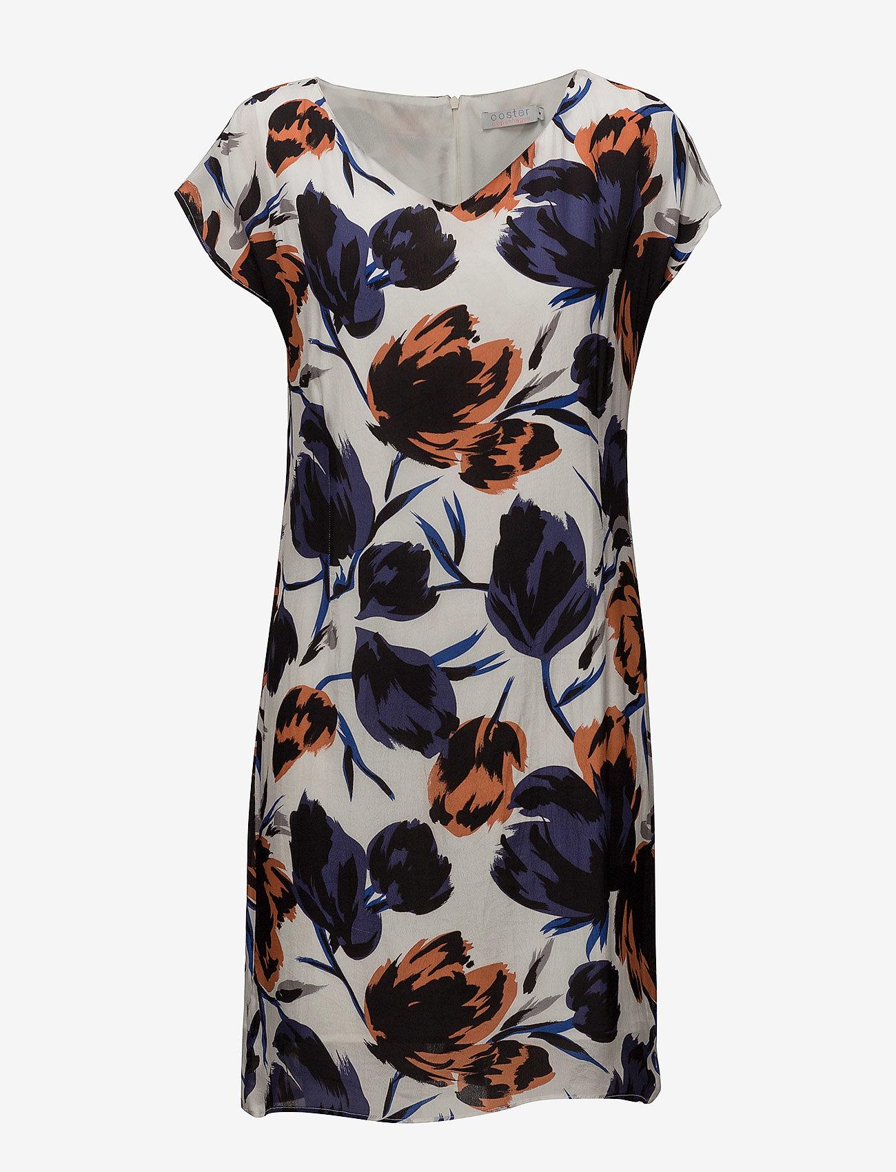 Coster Copenhagen - Dress w. dart in big flower print - lyhyet mekot - flower print