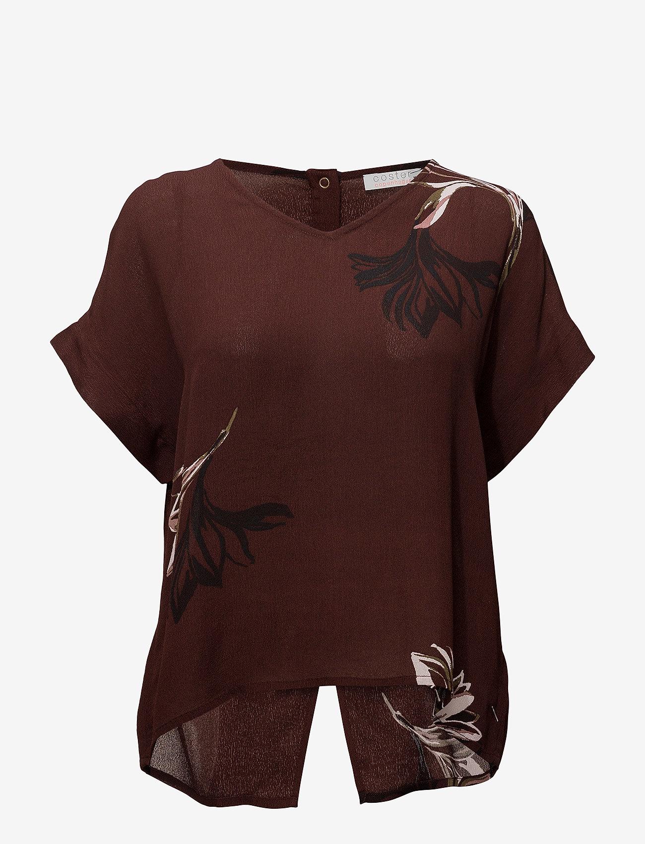 Coster Copenhagen - Short sleeve top w. blossom print - t-shirts - blossum print