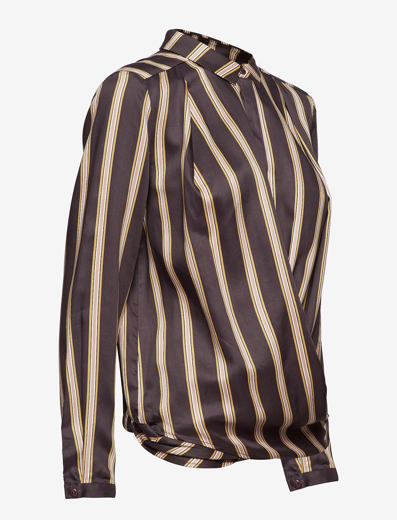 Shirt In Jacquard Stripes W. Button (Grey Plum Stripe) (519.60 kr) - Coster Copenhagen