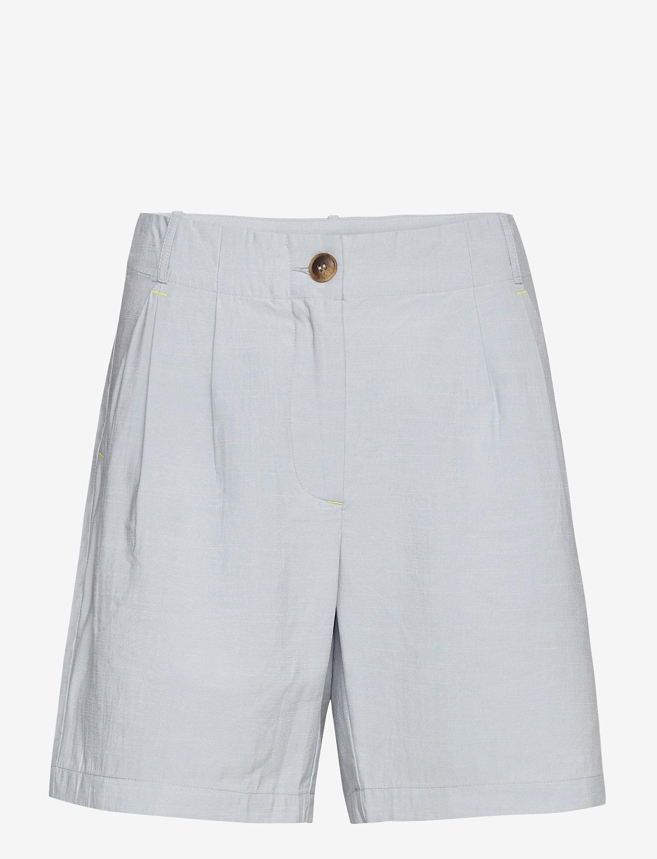 Coster Copenhagen - Shorts w. horn buttons and pockets - bermudas - frost blue - 0
