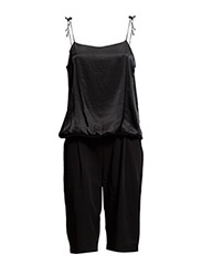 Jumpsuit w. shorts - BLACK