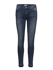 Slim fit jeans w. raw edges - INDIGO BLUE
