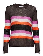 Sweater w. stripes
